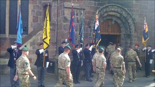 Royal Irish Regiment rinuncia alla parata a Belfast
