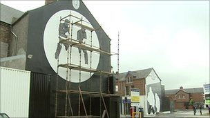 Nuovo murales UVF a East Belfast