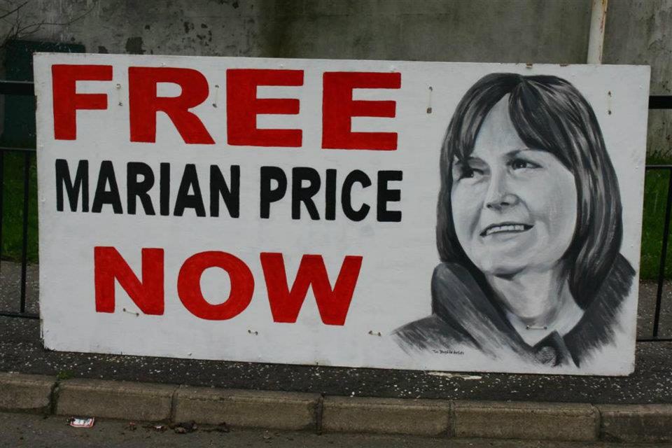 Free Marian Price! Banner dei Bogside Artists a Derry