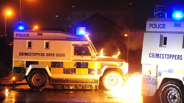 Petrol bomb in Newtownards, East Belfast | 08 01 2013