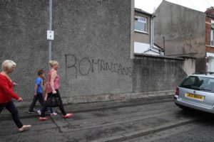 Slogan razzisti su un muro in Chobham Street | Racist graffiti appeared on gable walls near Chobham Street and at a junction of Elmdale Street and Bately Street.