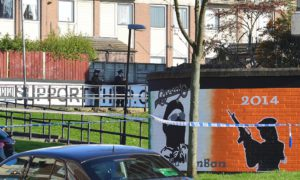 Ordigno contro PSNI a New Lodge, North Belfast