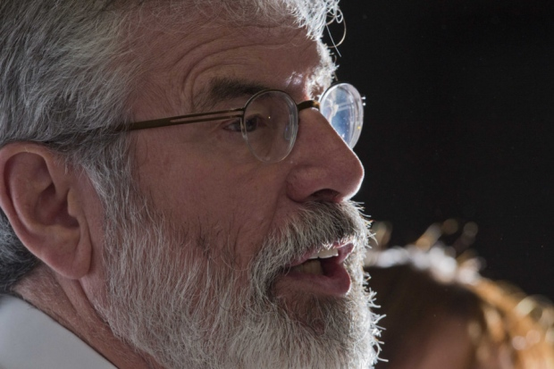 Sinn Féin: Gerry Adams resterà leader