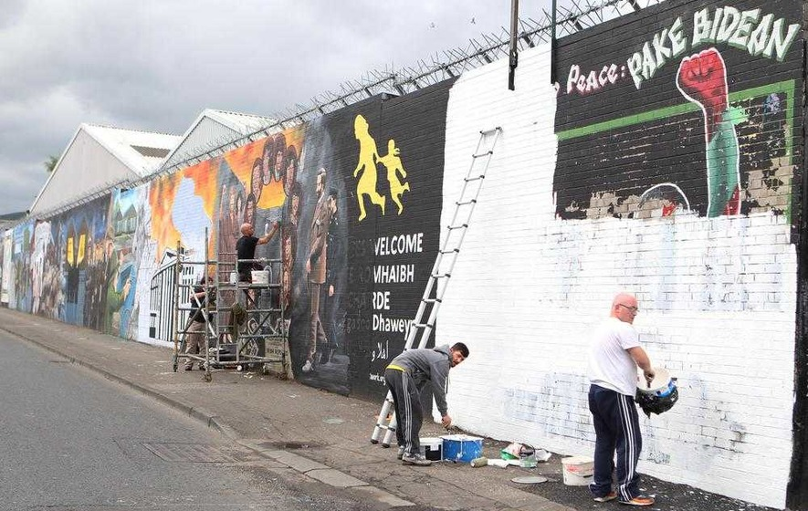 International Wall: lite su murales per i prigionieri